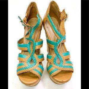 BCBG platform sandals pl-sanfordx